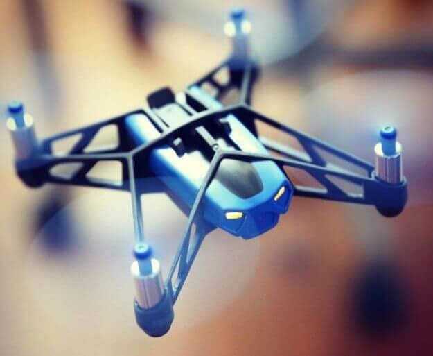 mini-drone-rolling-spider-de-parrot